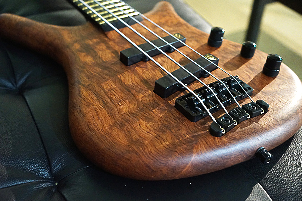 warwick custom shop thumb nt 4 string ww nof electric bass guitar ebay. Black Bedroom Furniture Sets. Home Design Ideas